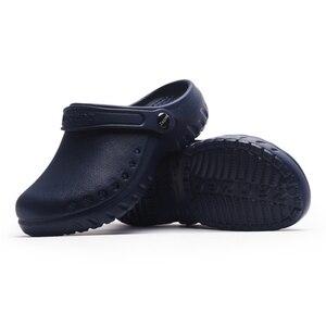 Image 3 - Yeni tıbbi ayakkabı kaymaz cerrahi Sandal ayakkabı hastane ameliyat odası su geçirmez doktor terlik uzman çalışma terlik