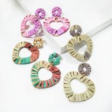 2019 Fashion Handmade Weave Lafite Straw Heart Drop Earrings for Women Boho Rattan Geometric Statement Rainbow Color Jewelry