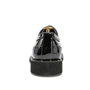 Image 2 - Брендовые Мужские модельные туфли; Золотые блестящие мужские официальные туфли; Мокасины; Итальянская кожа; Роскошные модные свадебные туфли оксфорды; Мужская обувь; 46