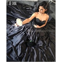 E JUE SHUNG Black Gothic Princess Wedding Dresses Appliques Sweetheart Neck Lace Up Back Ball Gown Wedding Gowns robe de mariee