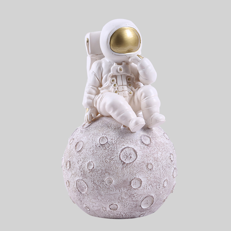 Astronaut Figurine  Resin Decoration Living Room Office Home Decoration Accessories