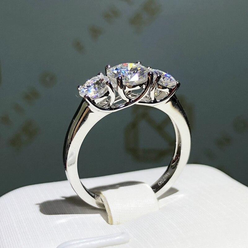 Bague en or blanc pur 18K VVS1 excellente coupe ronde style spécial moissanite bijoux anniversaire cadeau de fiançailles
