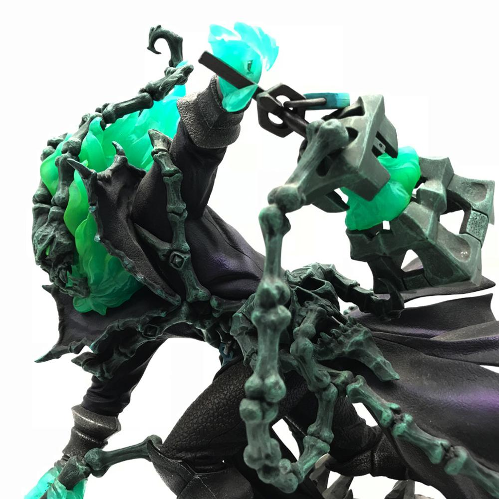 25cm LOL Figure Chain Warden Thresh Gank PVC Action Figure Juguetes Figuras Anime Model Doll Gifts for Teenagers
