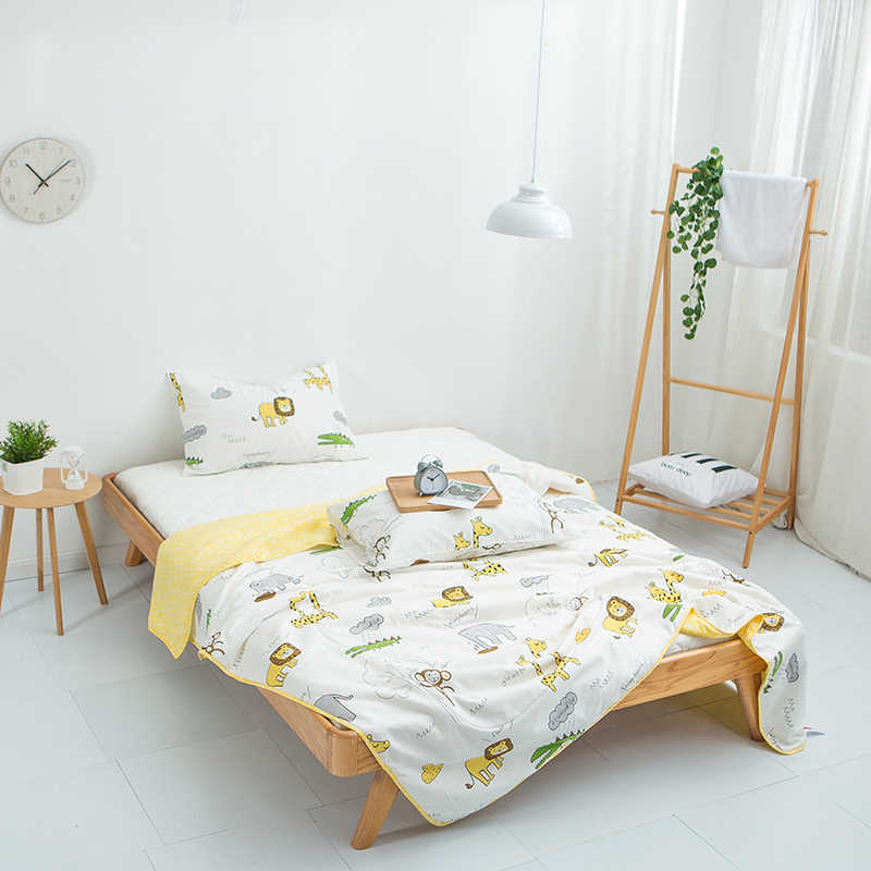 Cartoon Animal Zoo 1PCS 100% cotton soft bedspread coverlet/bed cover,also good use as summer blanket 180x200cm and 200*230cm