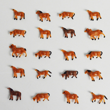 Teraysun 100pcs HO Scale painted Farm Animals Horses MIniature Plastic Model Horse 1:150