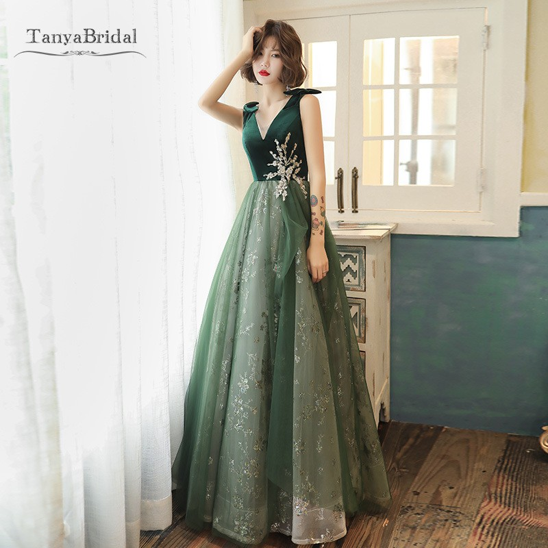 Green Prom Dresses 2020 A Line V Neck Long Prom Gown With Gold Lace Appliques Bling Bling Formal Evening Dress