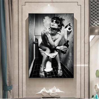 Kobieta siedzi na toalecie Vintage Canvas plakaty i wydruki artystyczne czarno-biała seksowna kobieta malowidła ścienne dekoracje ścienne domu tanie i dobre opinie CN (pochodzenie) Płótno wydruki Pojedyncze Na płótnie Wodoodporny tusz Rysunek malarstwo Unframed Nowoczesne S048-49