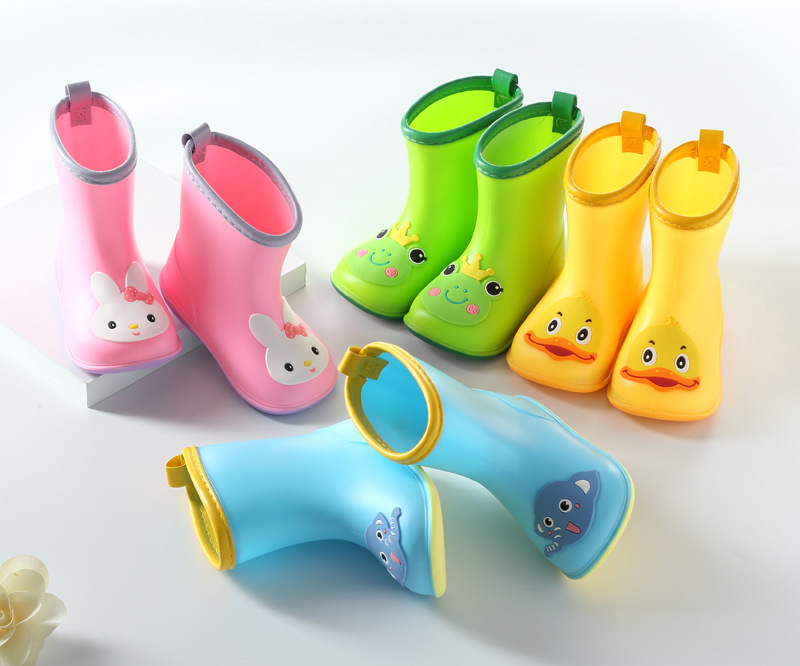 Nice Wide Round Toe Children Rainboots  Baby  PVC Rubber Waterproof Kids Water Shoes Lovely Cartoon Rain Boots Platform D03223