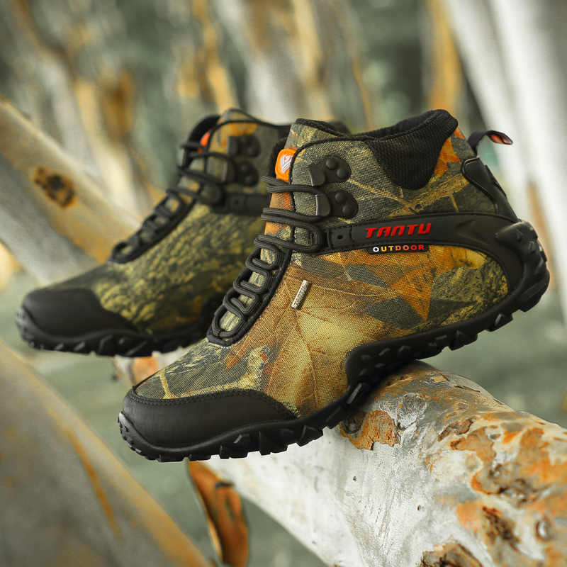 Large Size 40-46 Men Camouflage Hiking Shoes Tactical Boots Waterproof Warm High-top Sneakers Wear-resistant Sneakers Men