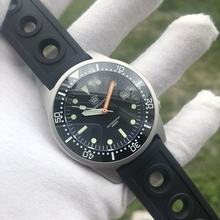 Men Automatic Watches men 200m Water Resistant 12 Luminous B