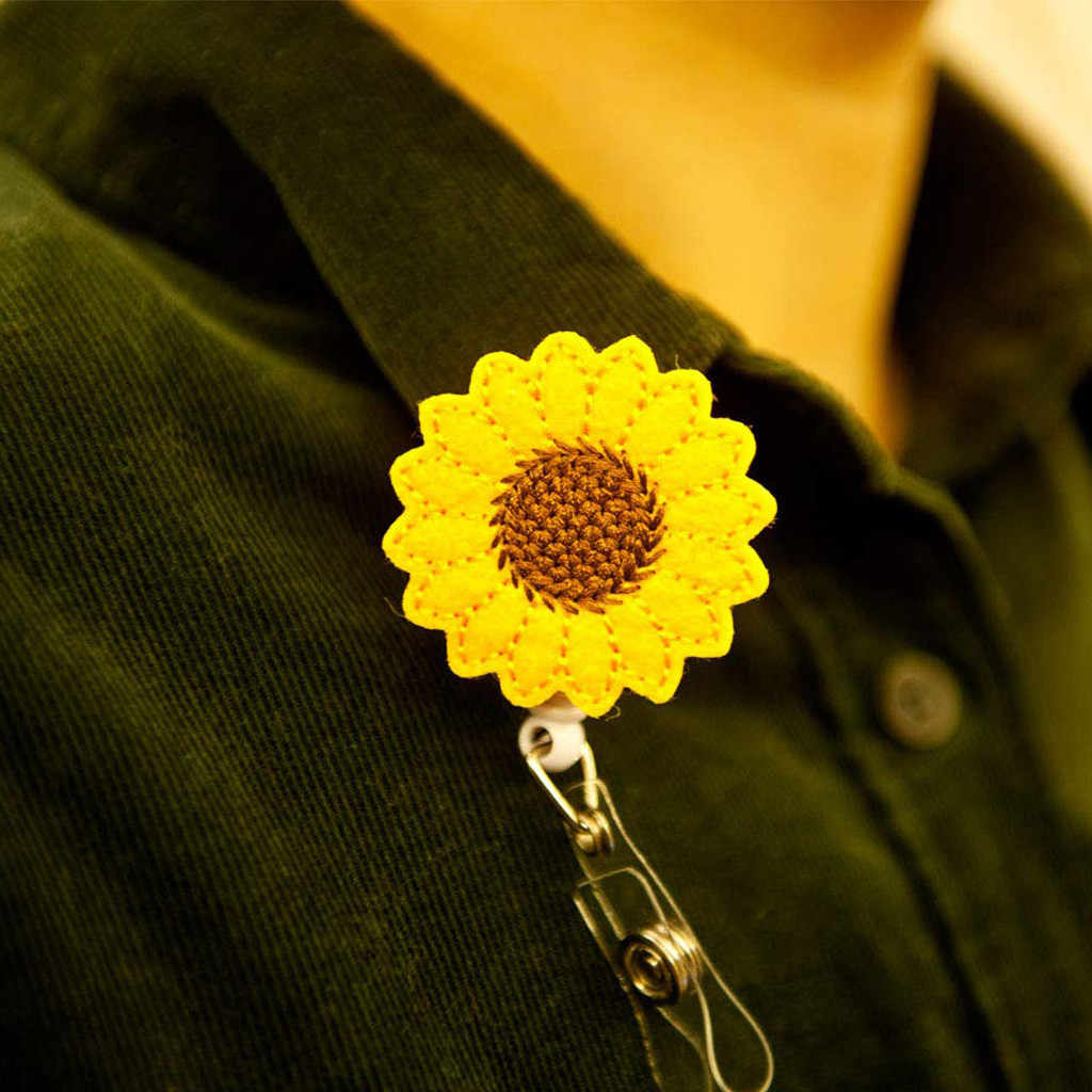 Sunflower Badge Reel Holder Accurate Stitching Strap Telescopic Retracting Clip