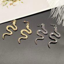 Nova moda parafuso prisioneiro earrins cobra design ouro prata cor brincos punk animal popular brincos presente para amigo atacado