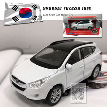 цена на WELLY 1/36 Scale Car Model Toys Korea Hyundai Tucson ix35 SUV Diecast Metal Pull Back Car Model Toy For Gift/Kids/Collection