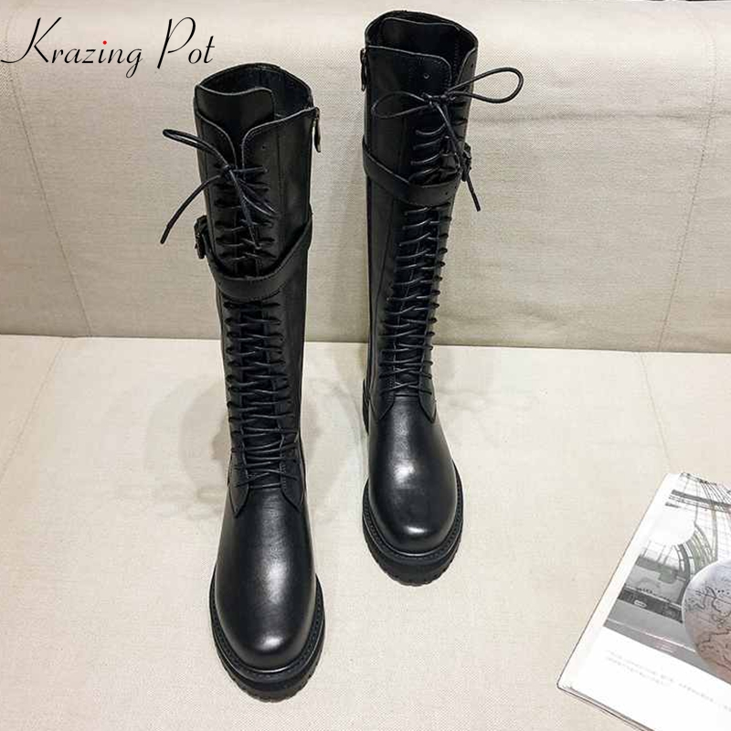 Krazing pote de couro genuíno lace up med saltos dedo do pé redondo do punk superstar equestre botas buckle fechos over-the- botas até o joelho l35