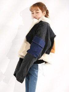 Image 2 - DEAT gabardina con cuello vuelto de piel de oveja para invierno, chaqueta de manga larga de retales de tela vaquera azul con letras estampadas, WJ1020, 2019