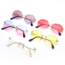 Fresh And Fashionable Luxury Round Mirror Sunglasses Metal Frame Prism High Quality Multicolor Sunshade Unisex