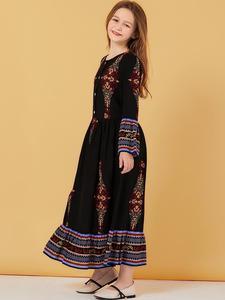 Image 3 - Muslim Women Dress Kids Girls Abaya Loose Kaftan Printed Long Sleeve Maxi Dress Buttons Robe Family Matching Outfits Dress O nec