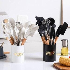 Набор силиконовых кухонных принадлежностей 10 шт., антипригарная лопатка, ложка для супа, прищепка для баклажанов, деревянная ручка, контейн...