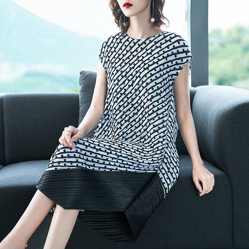 Плюс размер платье 2019 летние женские без рукавов с круглым вырезом модные печатные большие стрейч Miyake плиссированные платья для Woman45 75kg - 6