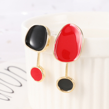 WYBU Fashion Style Asymmetric Geomatric Drop Earring For Women Hand Paiting Black And Red Round Pendant Stud Earring Jewelry