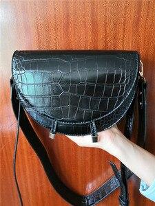 Image 5 - Femmes sac à bandoulière mode Crocodile demi cercle sacs de selle en cuir PU sacs à bandoulière pour femme sacs à main concepteur bolsas