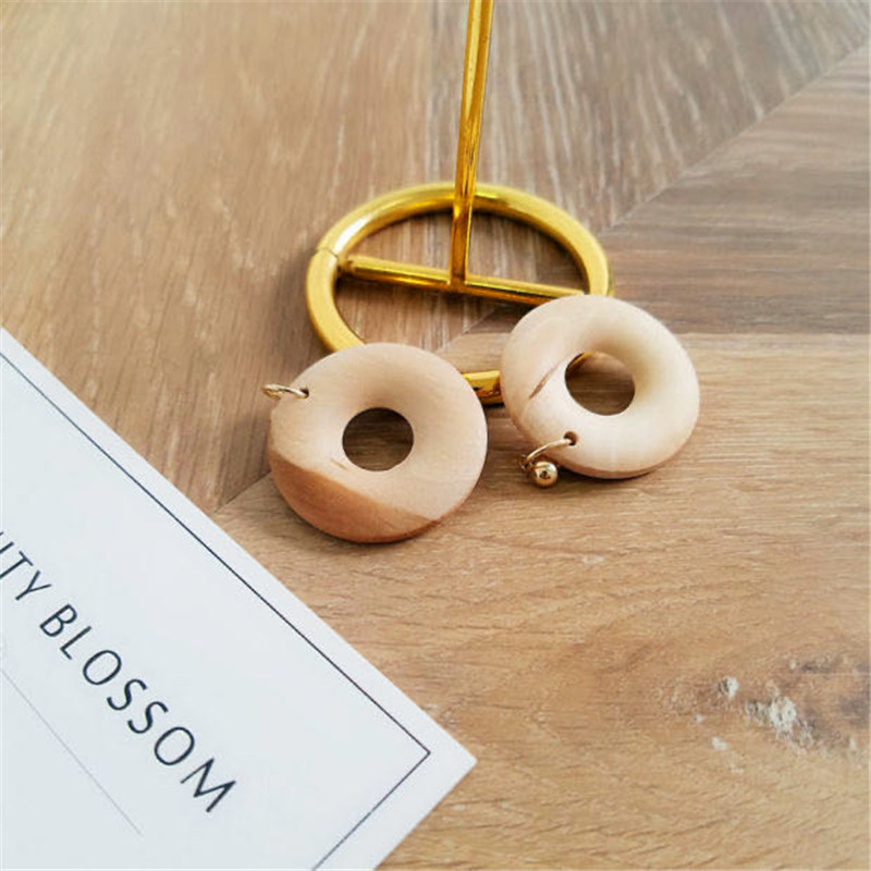 S925 pin Hong Kong wind geometric wood retro earrings female hollow round mesh red earrings