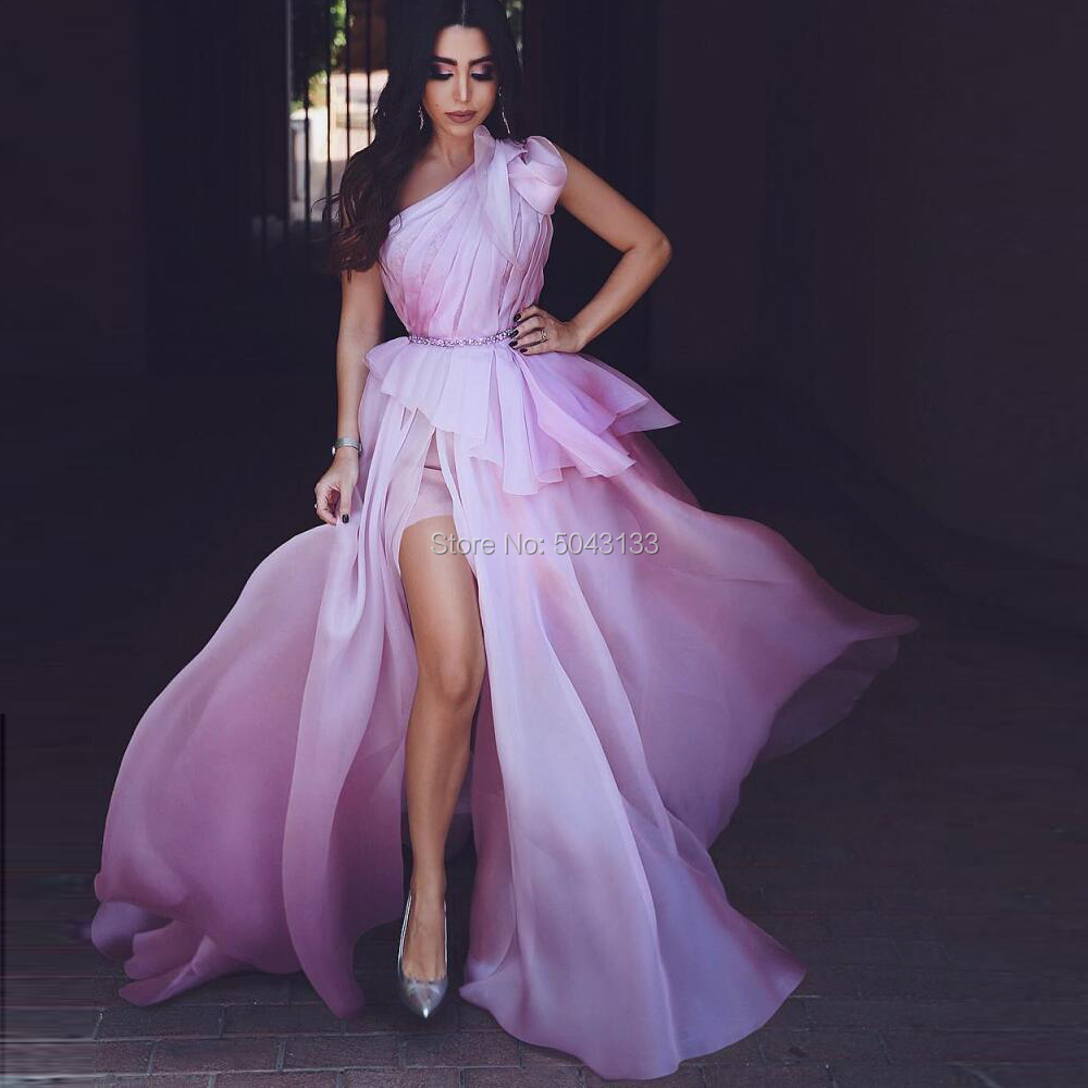 One Shoulder Prom Dresses 2020 Beaded Long Pleated Side Slit Arabic Evening Prom Gowns Formal Pink Backless Party Prom Dress