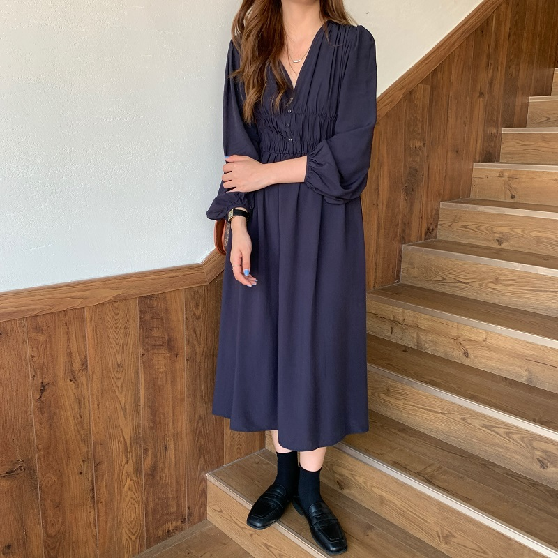 H2fc1b758cca64c60b114bb62915ca3451 - Autumn V-neck Long Sleeves Pleated Waist-Controlled Solid Loose Dress