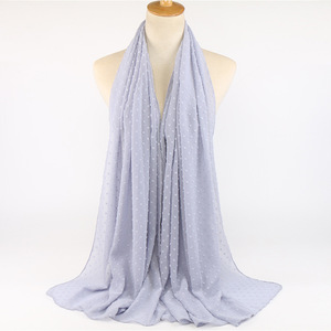 Image 5 - ขายส่ง 10Pcsผ้าพันคอชีฟองนุ่มมาเลเซียHijab Ballผ้าคลุมไหล่ยาวมุสลิมHeadscarf Solid Wraps TurbansอาหรับHeadband