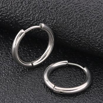 2 sztuk złoty czarny niebieski 316L ze stali nierdzewnej okrągłe chirurgiczne Hoop kolczyki koreański słodkie 2 5mm grubości okrągłe do ucha biżuteria punkowa tanie i dobre opinie STAINLESS STEEL Mężczyźni Klasyczny ROUND Metal ER6987565