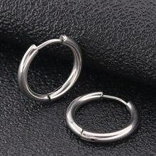 2 adet altın siyah mavi 316L paslanmaz çelik yuvarlak cerrahi Hoop küpe kore sevimli 2.5mm kalınlığında daire kulak Punk takı