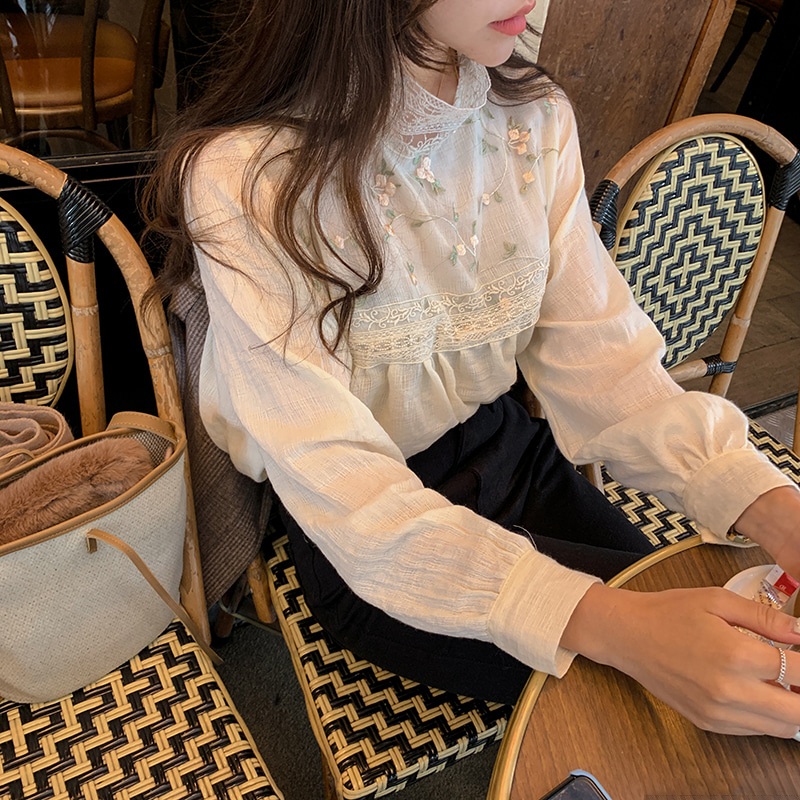 H2fc6eb1129204a959e3d85e2d59906cbX - Spring / Autumn Lace Stand Collar Long Sleeves Floral Embroidery Blouse