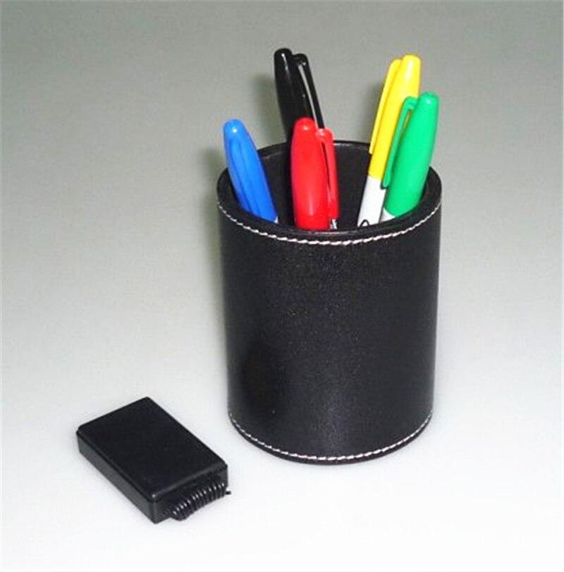 Prédiction de stylo de couleur-porte-stylo en cuir-gros plan magie/tour de magie/mentalisme
