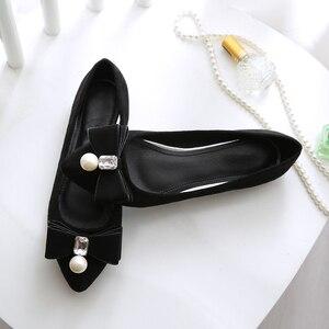 Image 2 - BEYARNE2019 zapatos planos de perlas para mujer, zapatos náuticos coreanos, zapatos de cristal para mujer, de talla grande, zapatos cómodos para womenE1146
