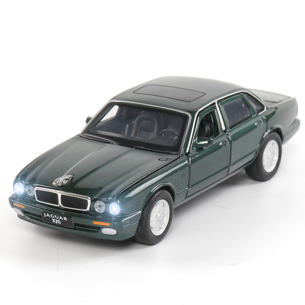 1:32 Diecast JAGUAR XJ6 Alloy Sports Car Model Super Racing Wheel Sound And Light Pull Back For Children Car Toys Christmas