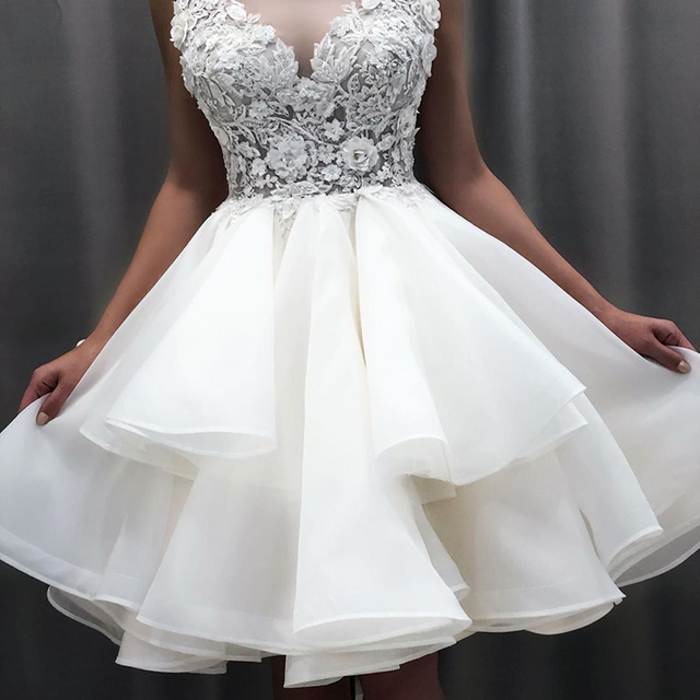 2021 New Lovely Short Lace Sleeveless Bridal Wedding Dresses Knee Length Illusion O Neck Wedding Gowns for Bride Cut Out Back 3