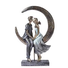 Romantic Moonlight Couple Statue Resin Date Lovers Sculpture Household Ornament Craft Valentine's Day Gift for Wedding Decor