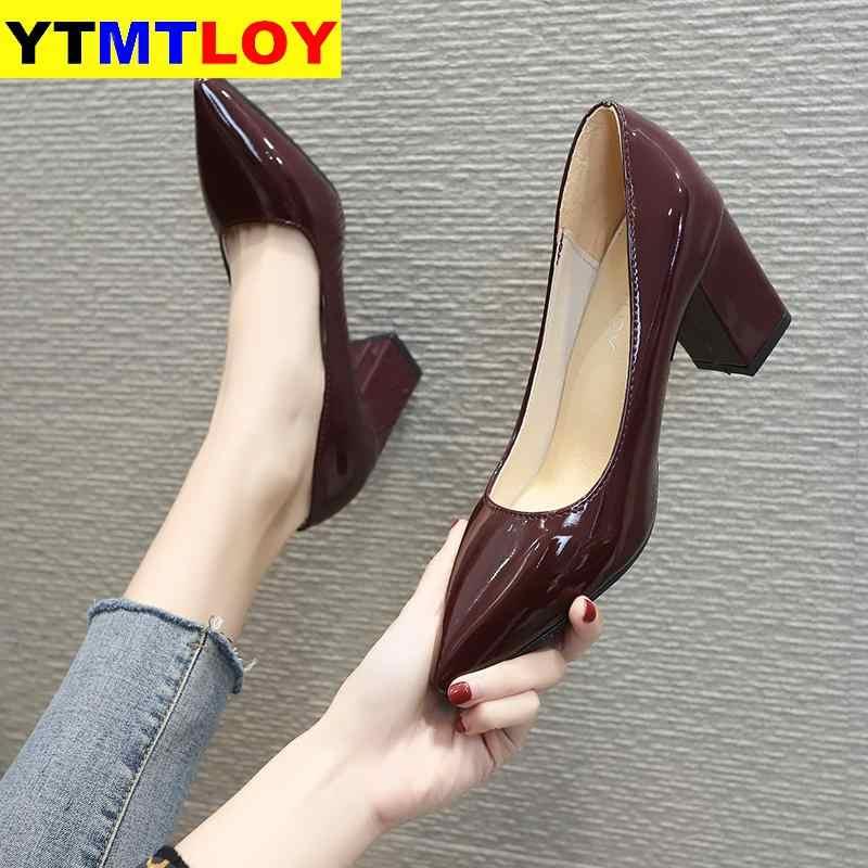 Fetiş lüks tasarımcı kadın aşırı Mules süper yüksek topuklu sandalet kadın platformu seksi ayakkabılar bayan pompaları kare topuk büyük boy