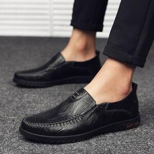 Image 5 - ของแท้หนังผู้ชายรองเท้าสบายๆหรูหรายี่ห้อDesigner Mens Loafers Breathable SLIPบนรองเท้าขับรถรองเท้าพลัสขนาด 37 47