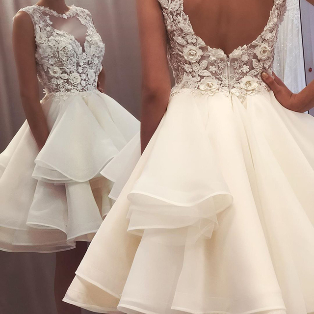 2021 New Lovely Short Lace Sleeveless Bridal Wedding Dresses Knee Length Illusion O Neck Wedding Gowns for Bride Cut Out Back 2