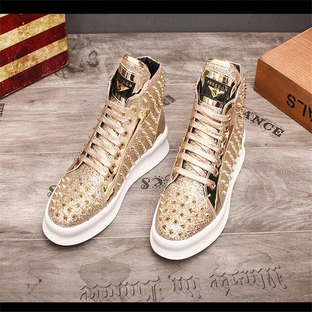 Zapatillas de deporte de lujo para Hombre, zapatos informales con remaches de estilo Punk, Hip Hop, color dorado y rojo, suela gruesa 3