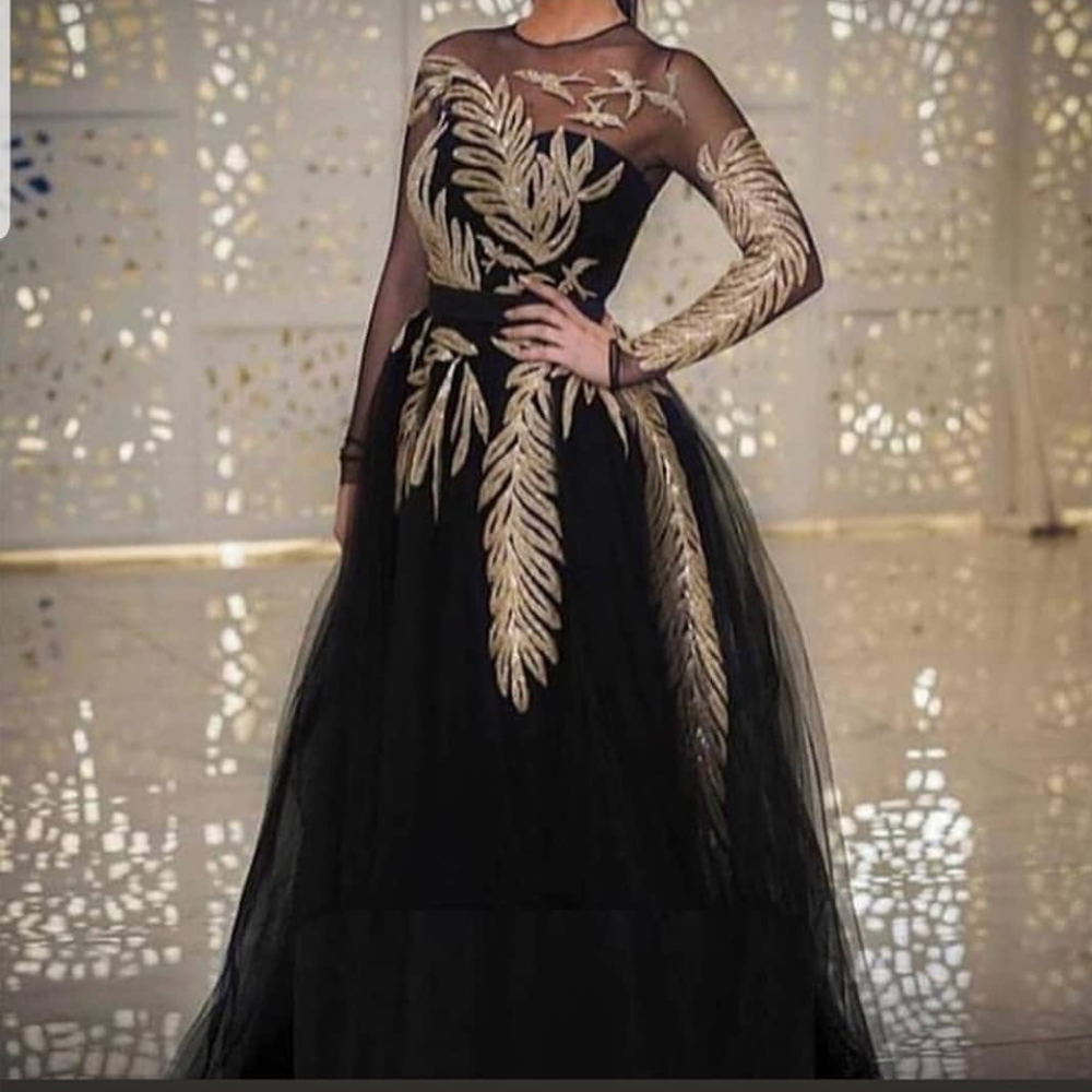 Broderie robes de bal paillettes scintillantes 2020 noir manches longues col rond robes de soirée longue tulle robe formelle