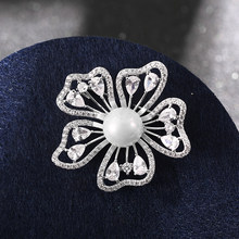 Luxury Pretty Elegan Flower pearl Brooches Iced Nature Zircon Crystals Broches Suit Pin Accessories Bouquet Wedding(China)