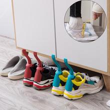 2 sztuk leniwy pomocnik butów Unisex obsługiwane łyżka do butów łatwe włączanie i wyłączanie butów podnoszenie nosić buty pomocnik podnośniki leniwy łyżka do butów podnośnik do butów tanie tanio NoEnName_Null Z tworzywa sztucznego Lazy Shoe Helper Plastikowe włosy Szczotka do butów White pink gray blue red