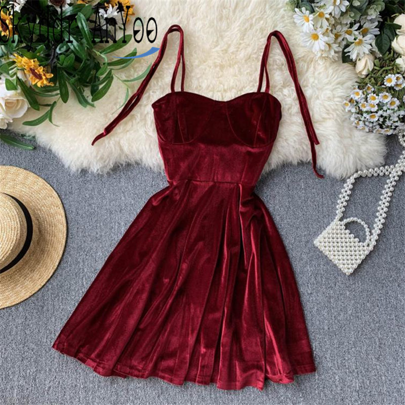 2020 Spring Elegant Spaghetti Strap Sexy Dress Women Black Short Vintage Party Dress Slim High Waist Velvet Mini Dress Vestidos