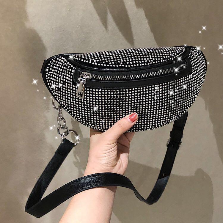 2020 New Women Waist Bags Diamonds Ladies Fanny Pack Fashion Chest Bag Banana Rhinestone Chain Crossbody Shoulder Bags Belt Bag