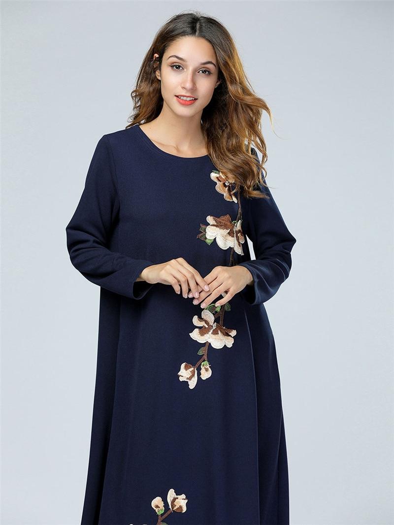 High quality Women Long sleeves embroidered dress Muslim Women's Abaya