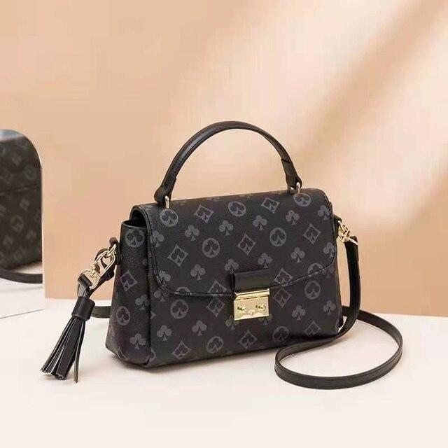 Luxury Fashion Printed  Shoulder Bag  3
