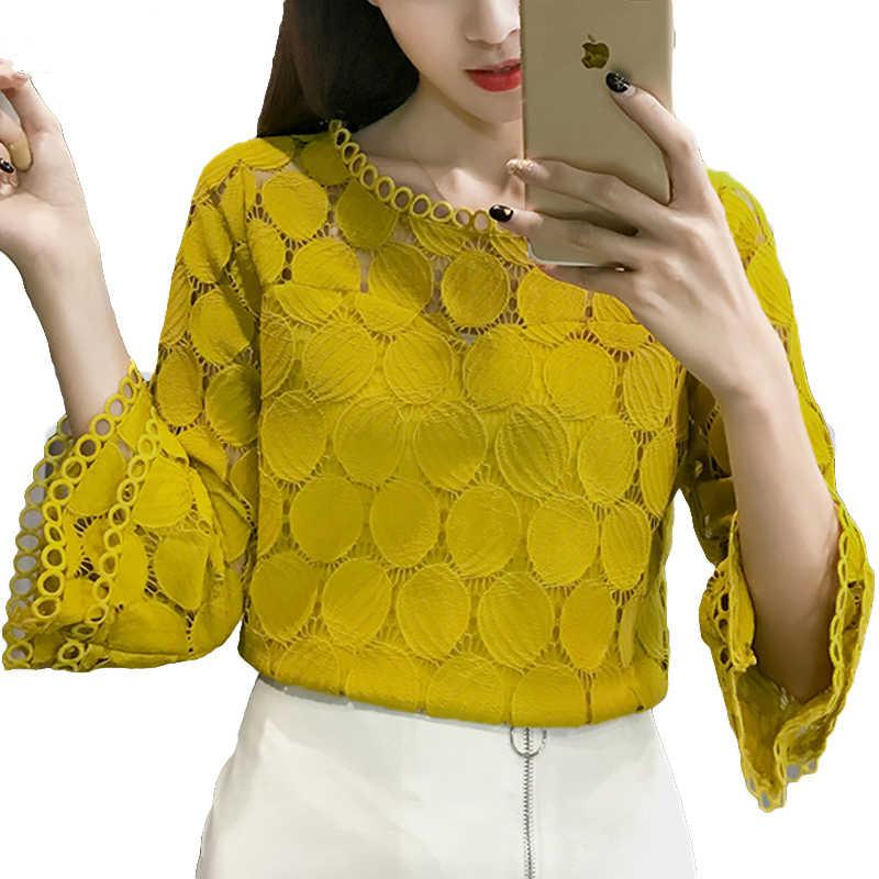 الدانتيل الأبيض بلوزة المرأة قميص 2019 الصيف الكورية نمط مضيئة كم س الرقبة الجوف خارج عارضة السيدات بلوزات من الدانتيل blusa الأنثوية