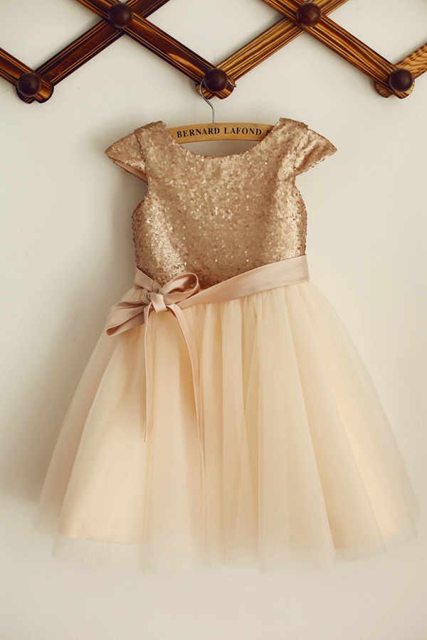New   Flower     Girl     Dress   2020 Champagne Shiny Sequins Tulle with Bow Sashes   Dress   Zipper up Capped Sleeves   Dress